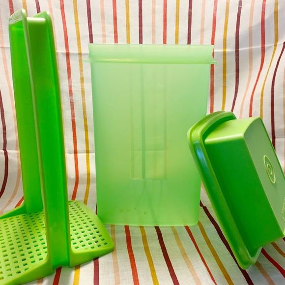 Tupperware- Pick-A-Deli Container